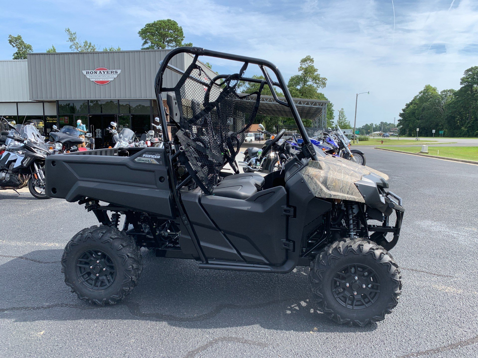 2020 Honda Pioneer 700 Deluxe in Greenville, North Carolina - Photo 1