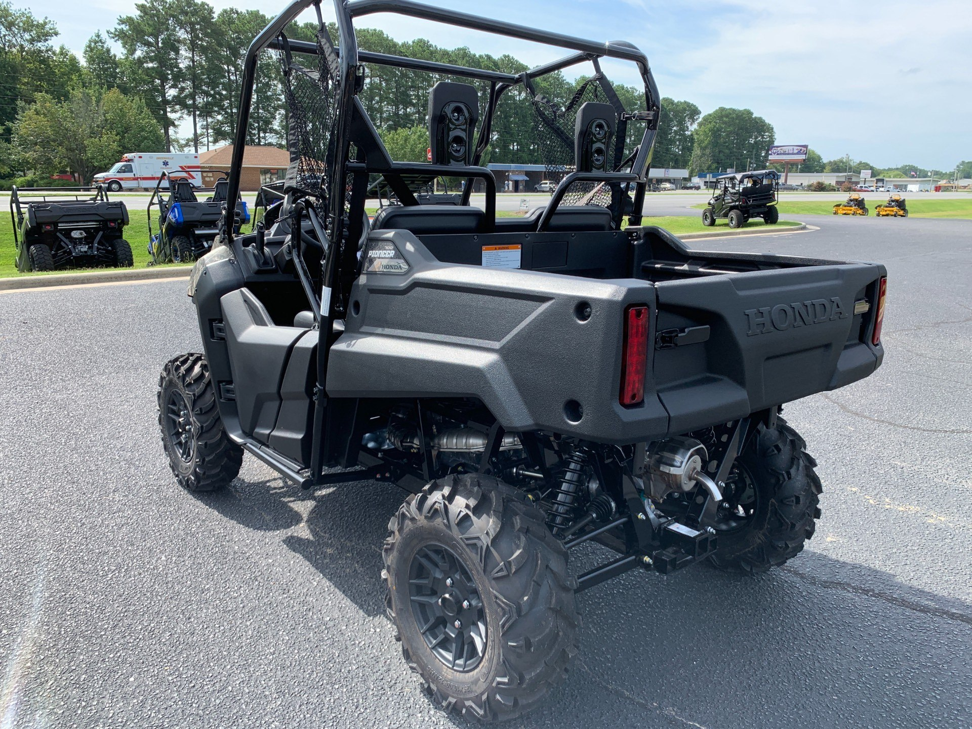 2020 Honda Pioneer 700 Deluxe in Greenville, North Carolina - Photo 9
