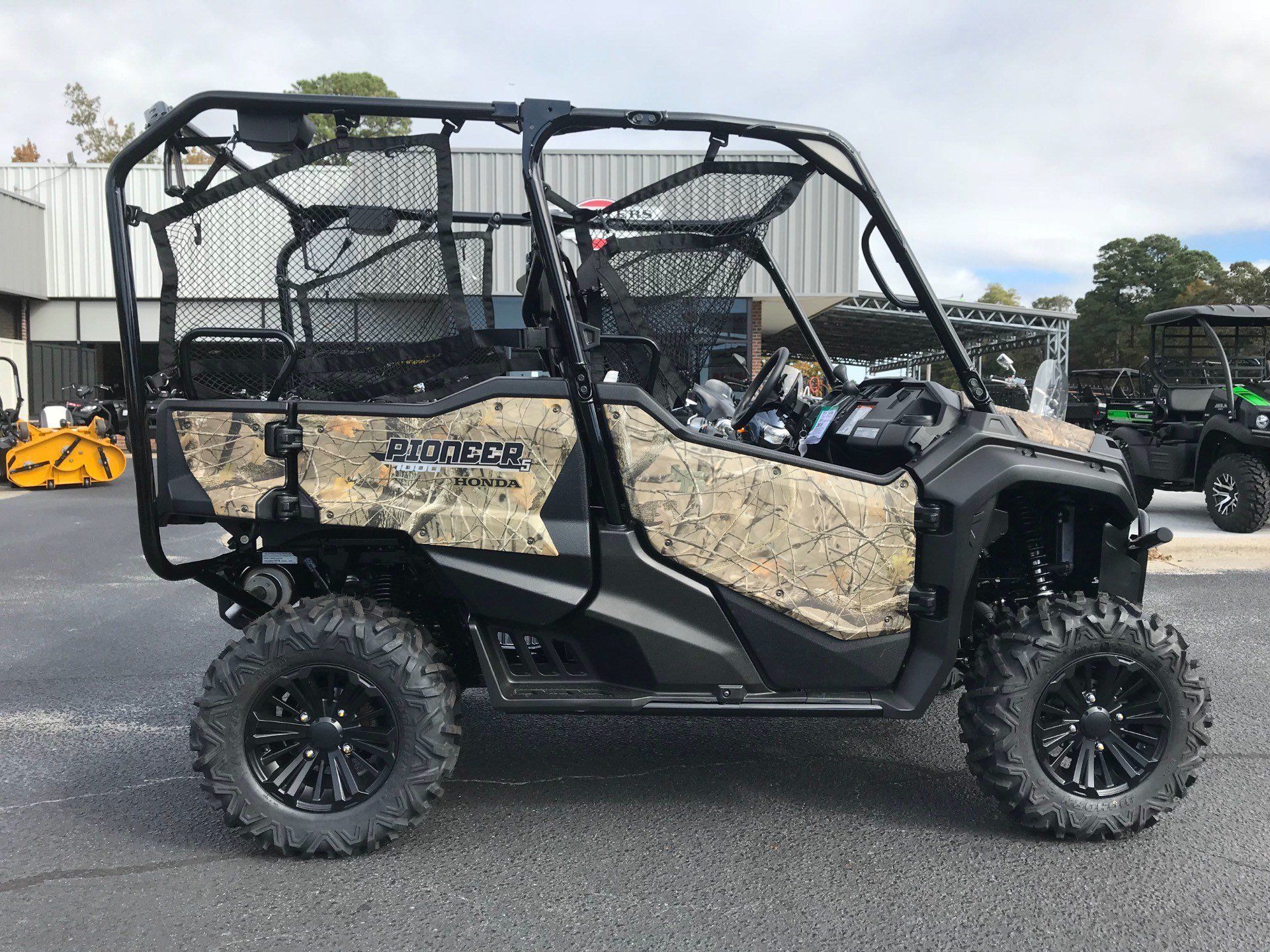 2019 Honda Pioneer 1000-5 Deluxe in Greenville, North Carolina - Photo 2