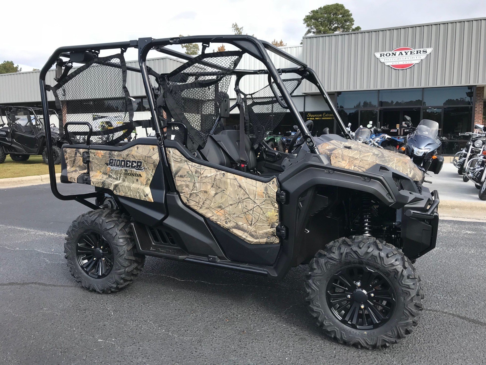 2019 Honda Pioneer 1000-5 Deluxe in Greenville, North Carolina - Photo 3