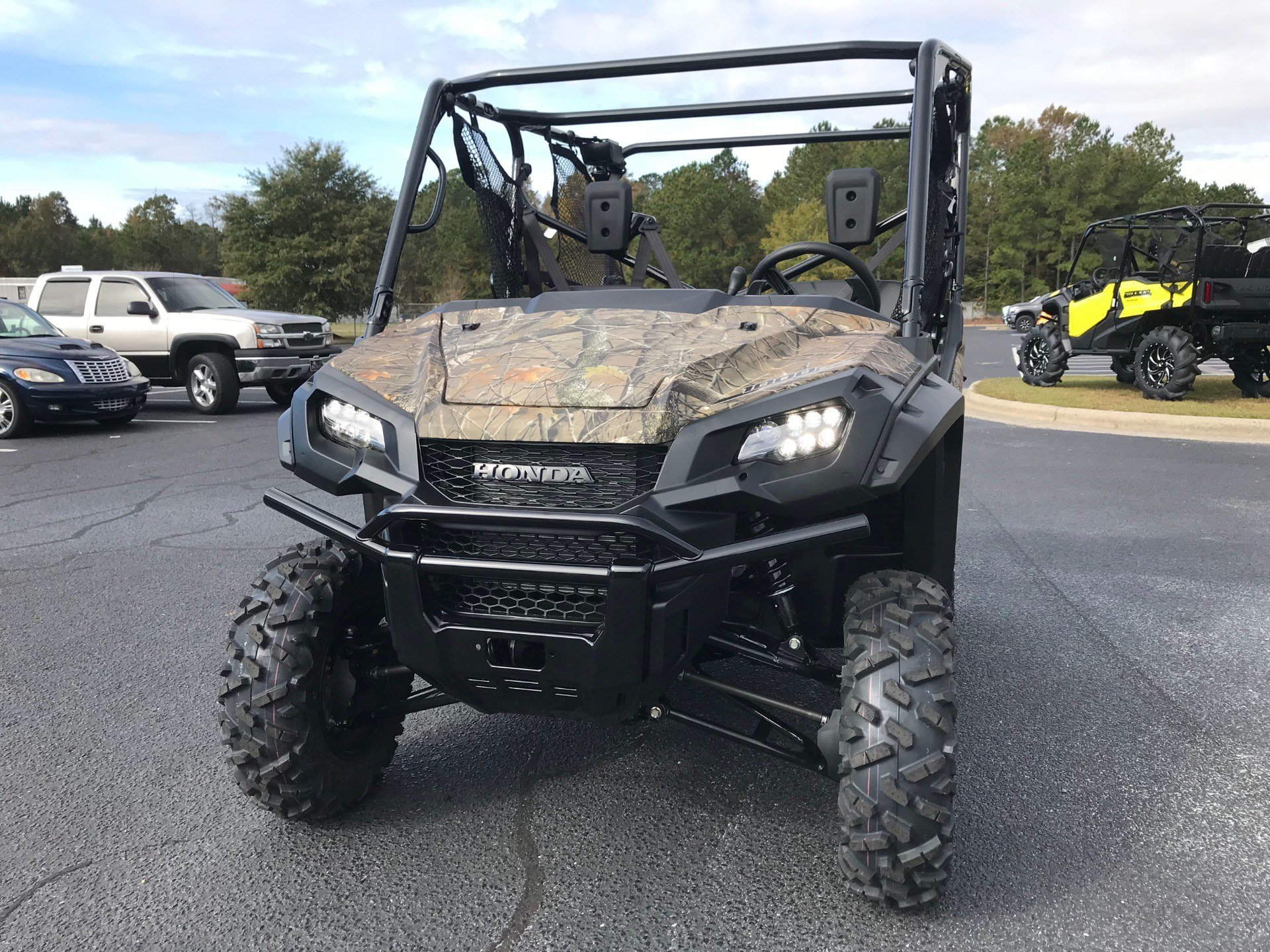 2019 Honda Pioneer 1000-5 Deluxe in Greenville, North Carolina - Photo 6