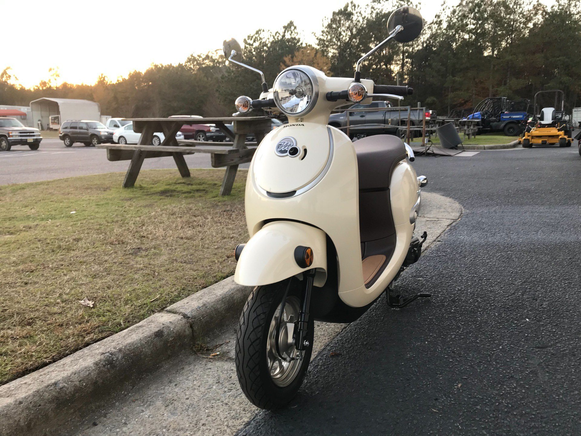 2018 Honda Metropolitan in Greenville, North Carolina - Photo 4