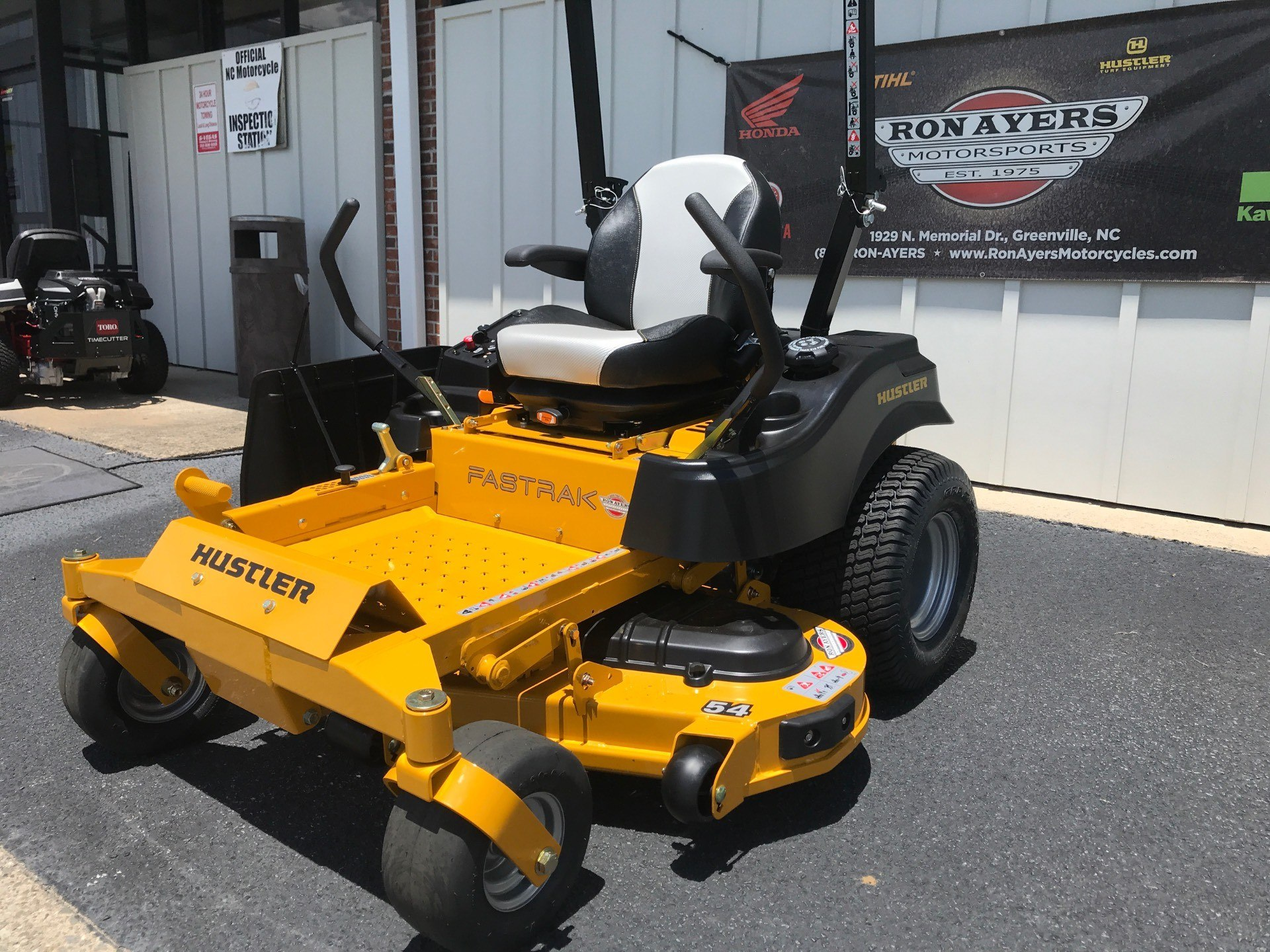 2020 Hustler Turf Equipment FasTrak 54 in. Kawasaki 23 hp in Greenville, North Carolina - Photo 2