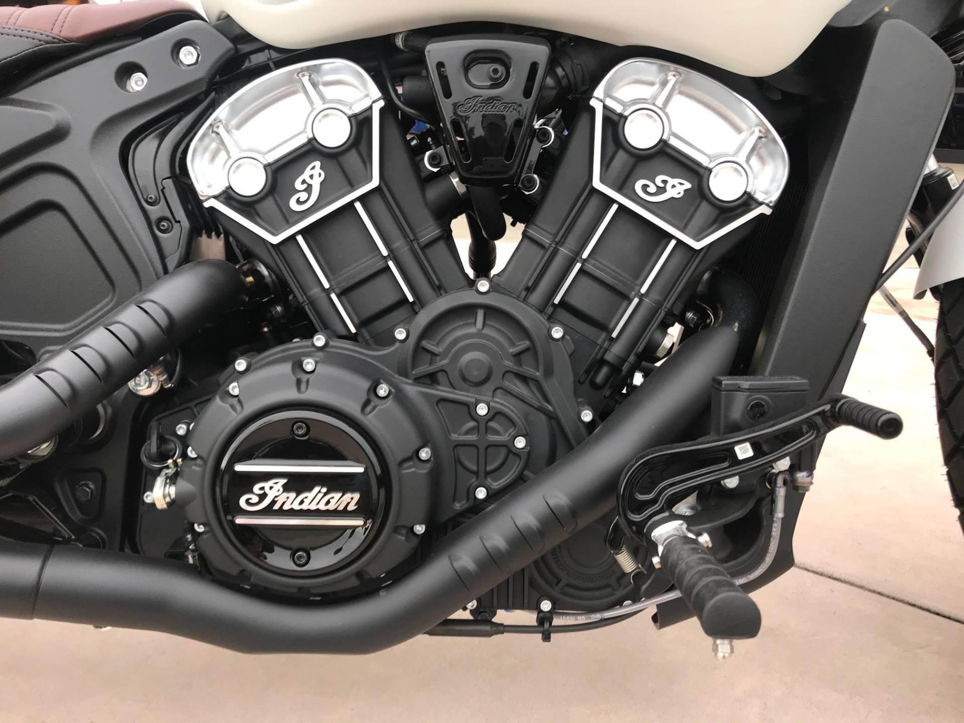 2019 Indian Scout® Bobber ABS in EL Cajon, California - Photo 11