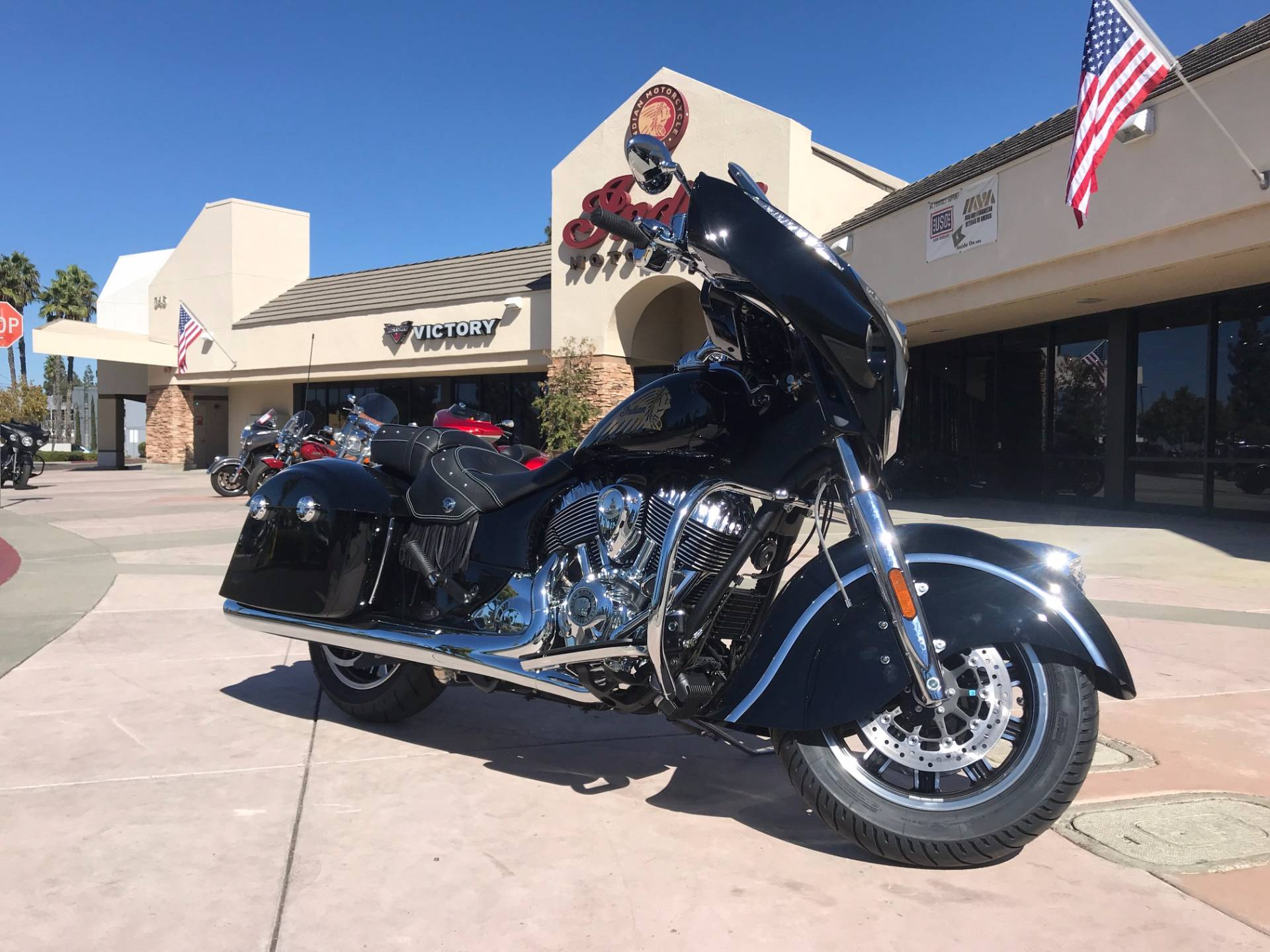 2018 Indian Chieftain® Classic in EL Cajon, California - Photo 2