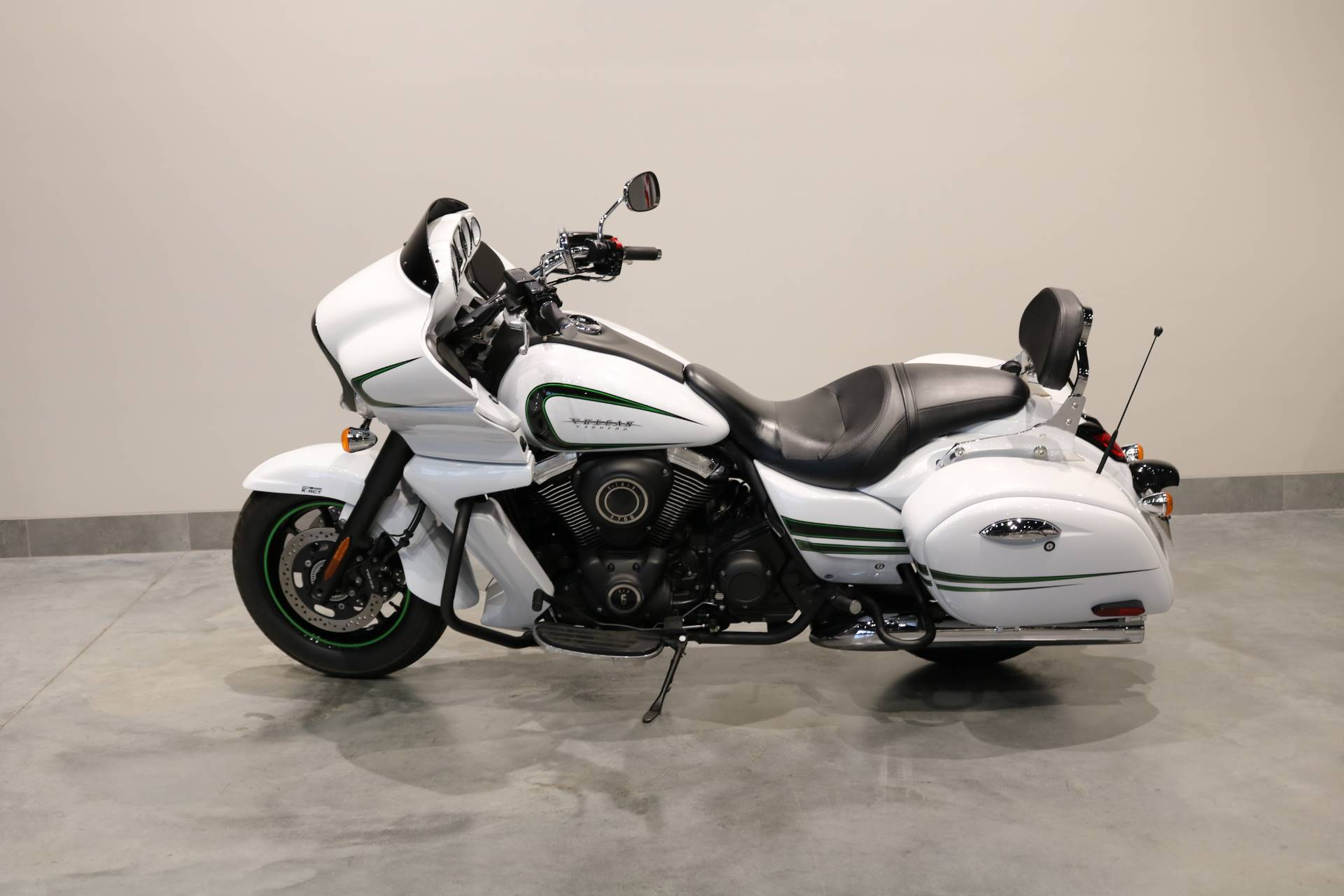 2016 Kawasaki Vulcan 1700 Vaquero ABS in Saint Paul, Minnesota - Photo 2