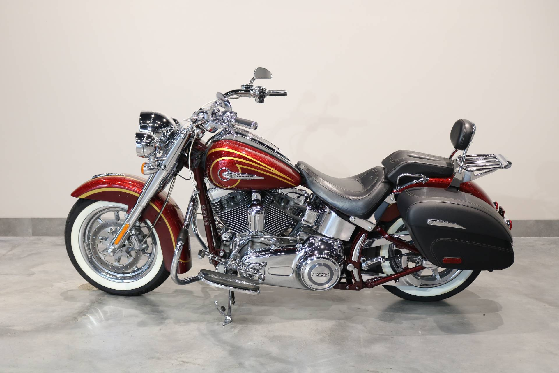 2014 Harley-Davidson CVO™ Softail® Deluxe in Saint Paul, Minnesota - Photo 1