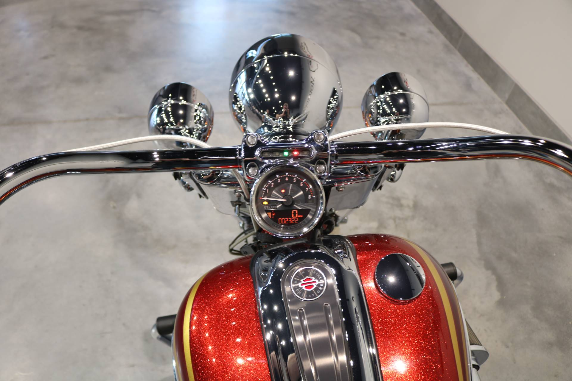 2014 Harley-Davidson CVO™ Softail® Deluxe in Saint Paul, Minnesota - Photo 4