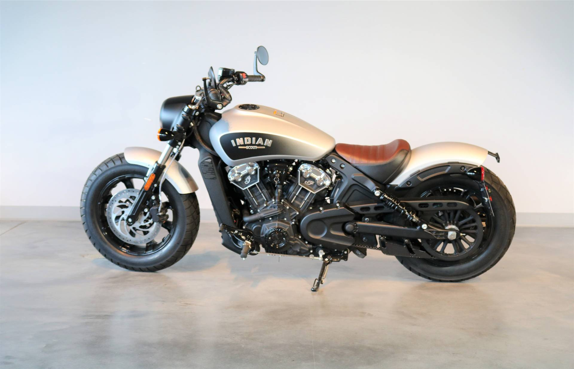 2018 Indian Scout® Bobber in Saint Paul, Minnesota - Photo 2