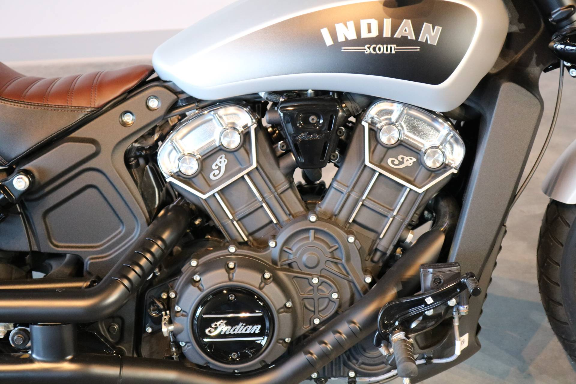 2018 Indian Scout® Bobber in Saint Paul, Minnesota - Photo 3