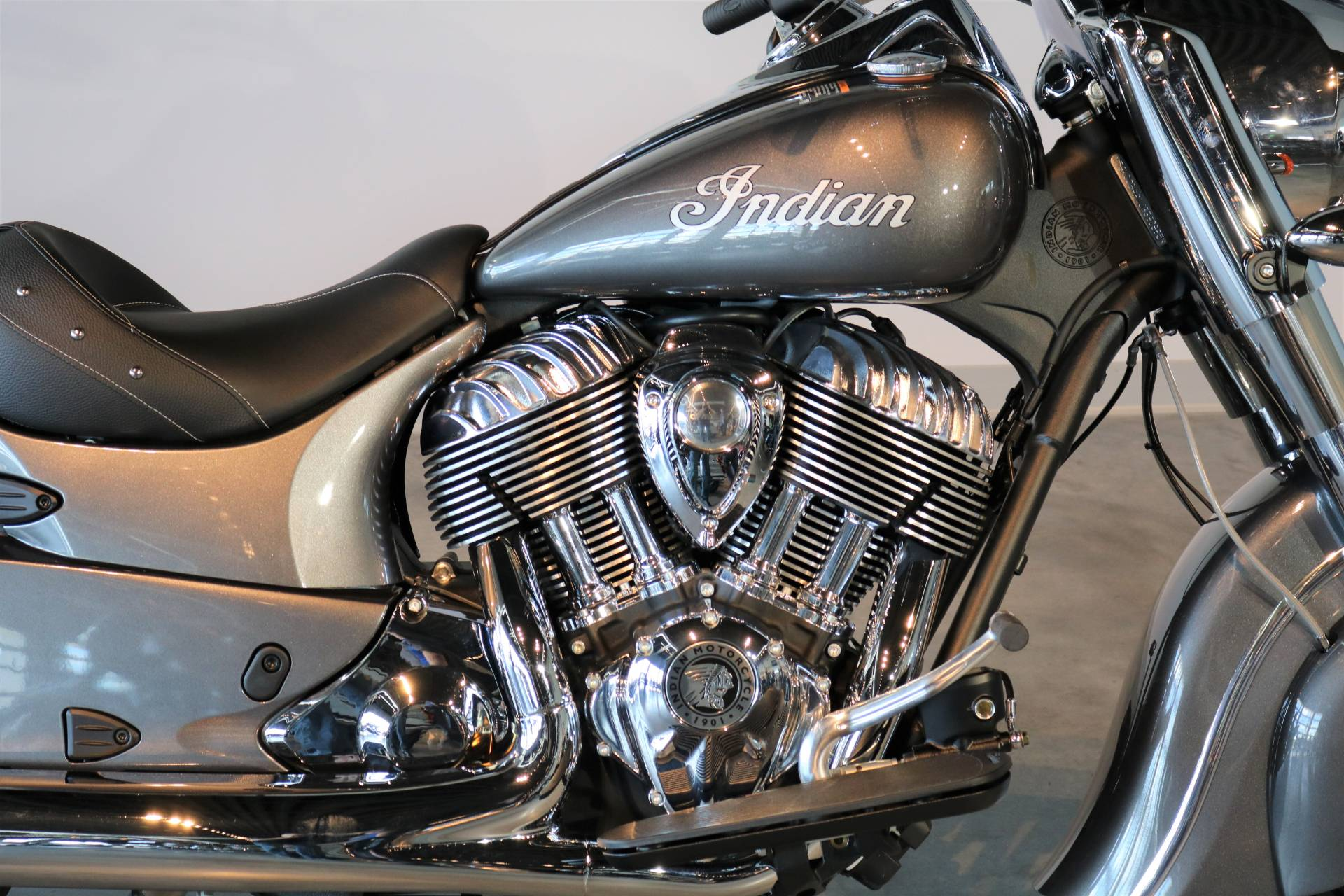 2018 Indian Chief® ABS in Saint Paul, Minnesota - Photo 3