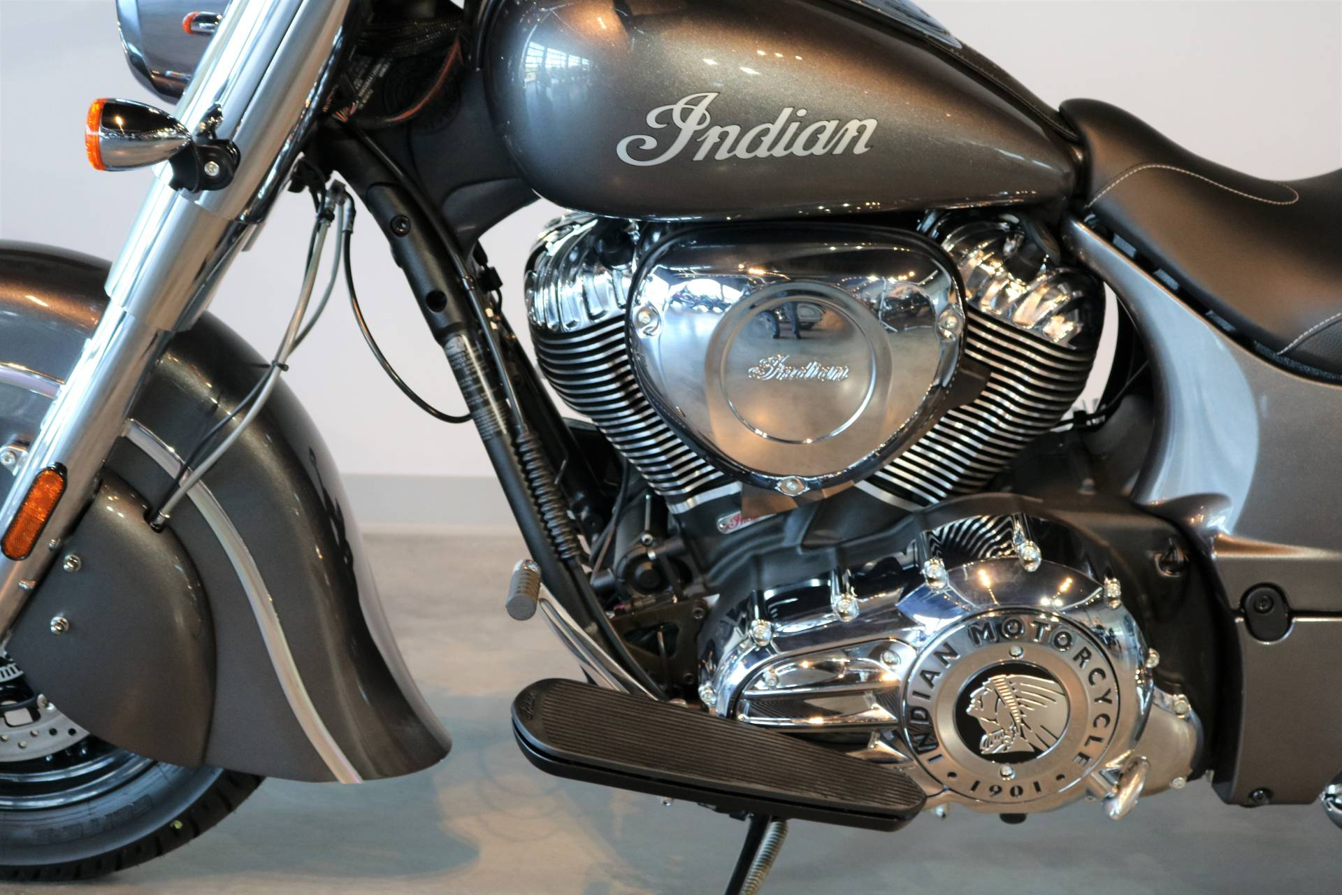 2018 Indian Chief® ABS in Saint Paul, Minnesota - Photo 4