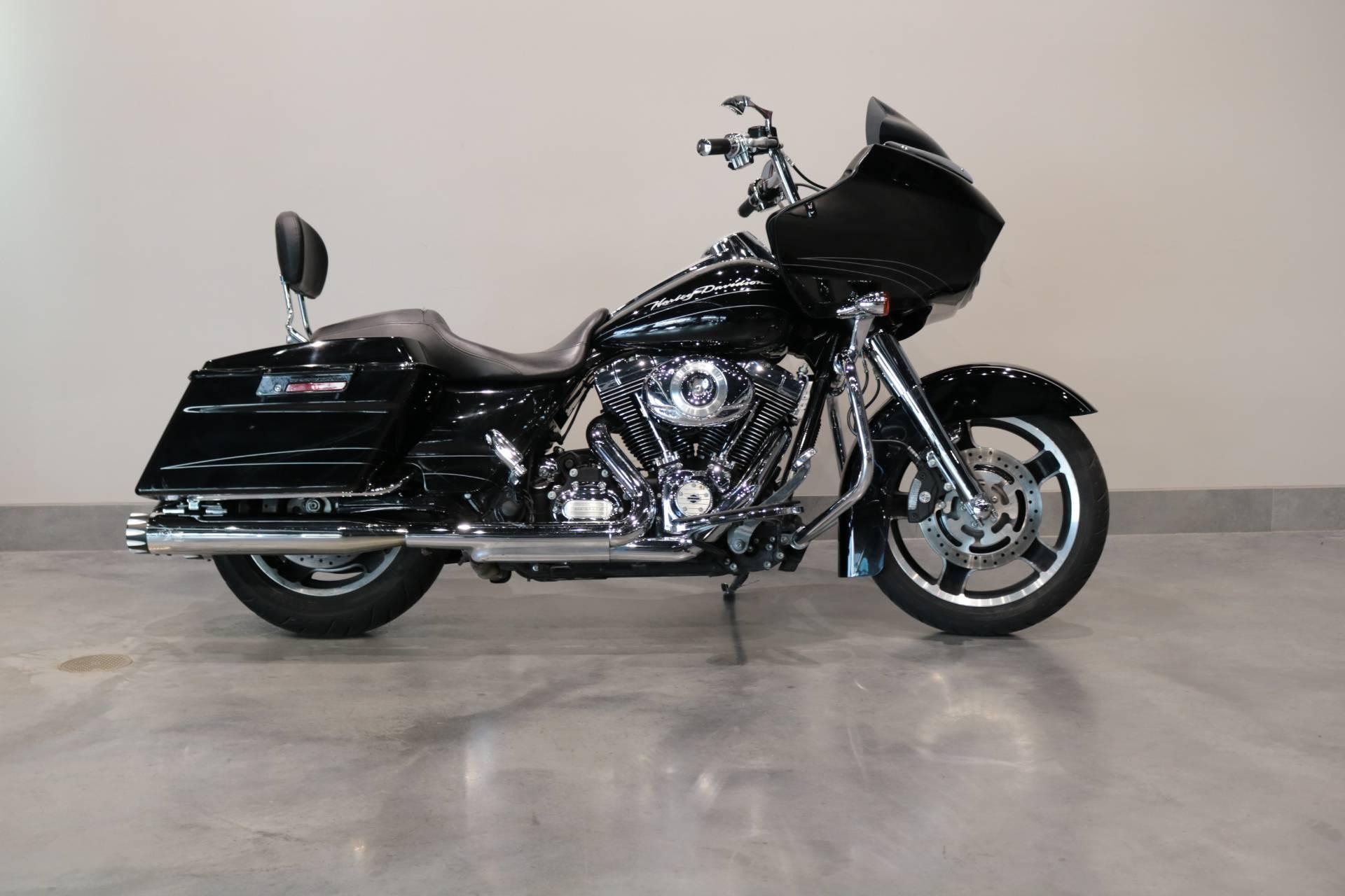 Used 2013 Harley Davidson Road Glide Custom Motorcycles In Saint Paul Mn Stock Number Poh608597 Dealer Url