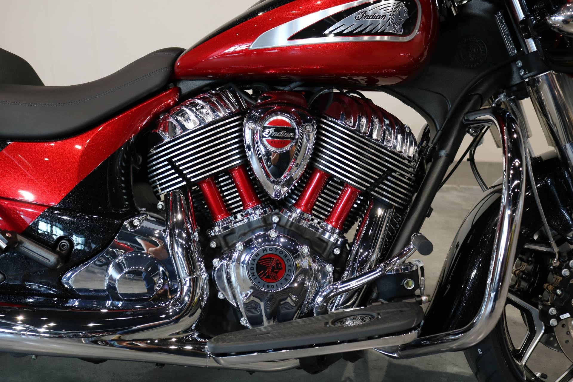 2020 Indian Chieftain® Elite in Saint Paul, Minnesota - Photo 3