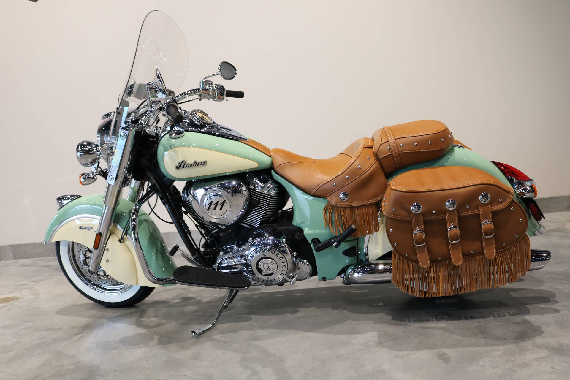 2019 Indian Chief® Vintage ABS in Saint Paul, Minnesota - Photo 2