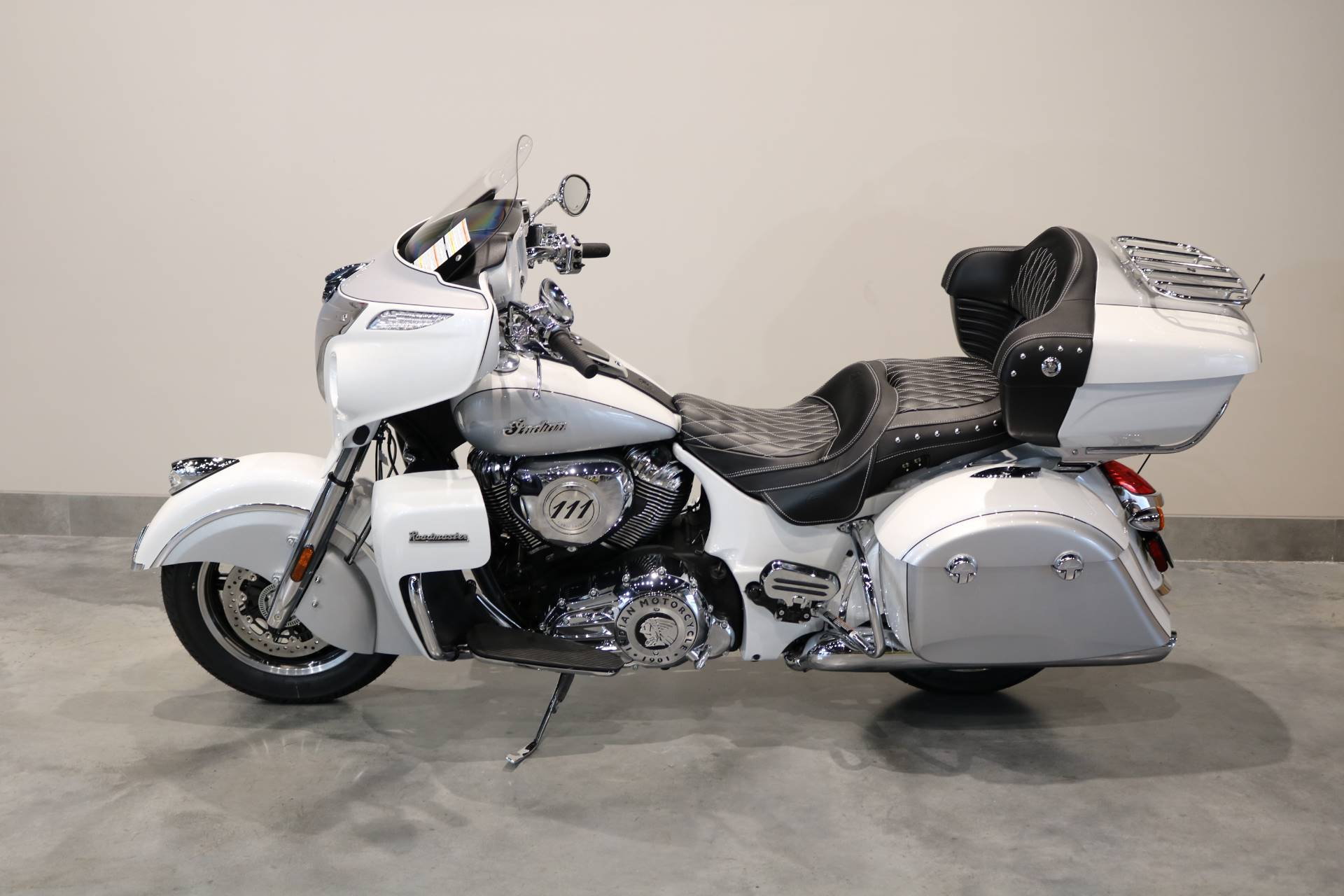 2019 Indian Roadmaster® ABS in Saint Paul, Minnesota - Photo 2