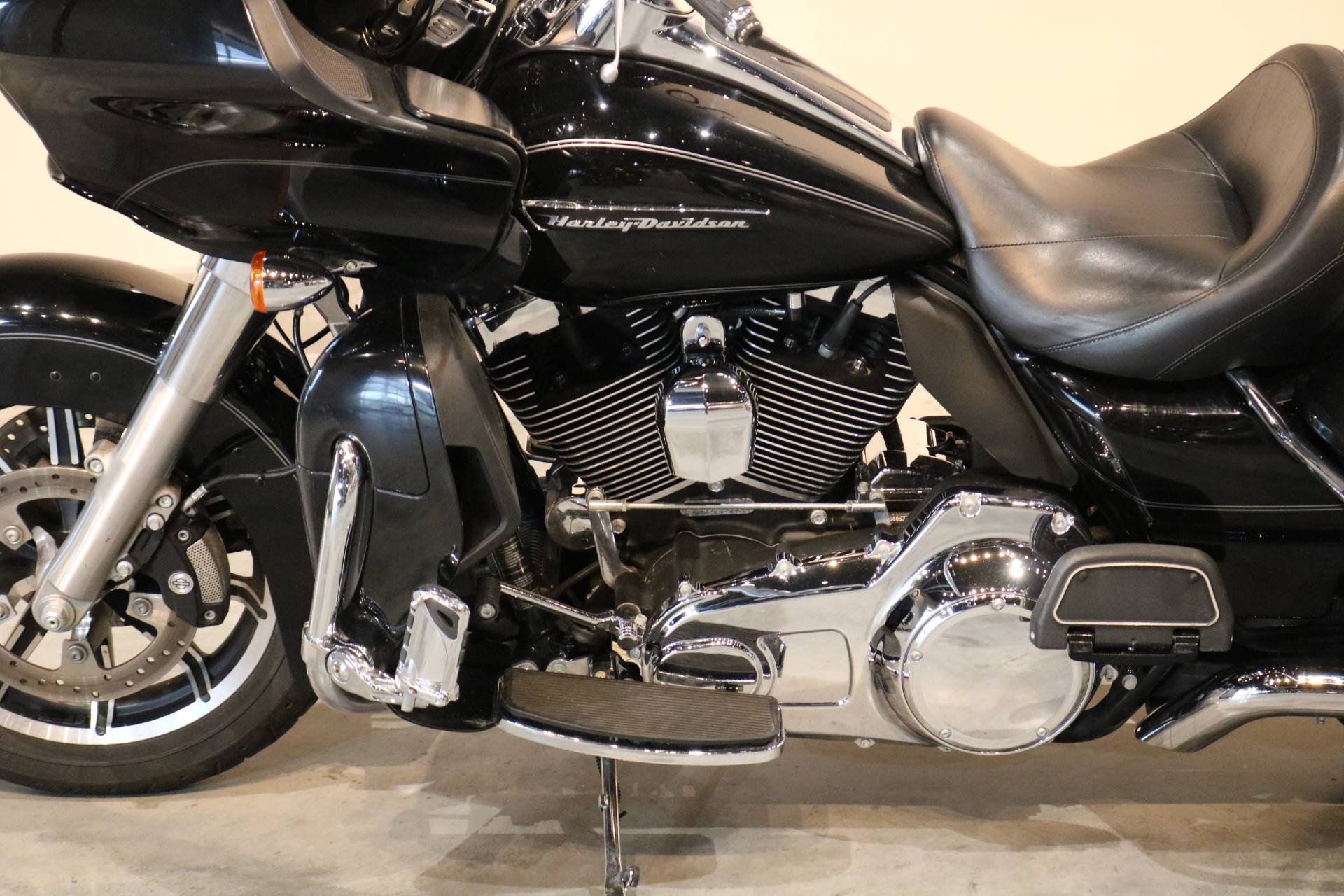 2016 Harley-Davidson Road Glide® Ultra in Saint Paul, Minnesota - Photo 2