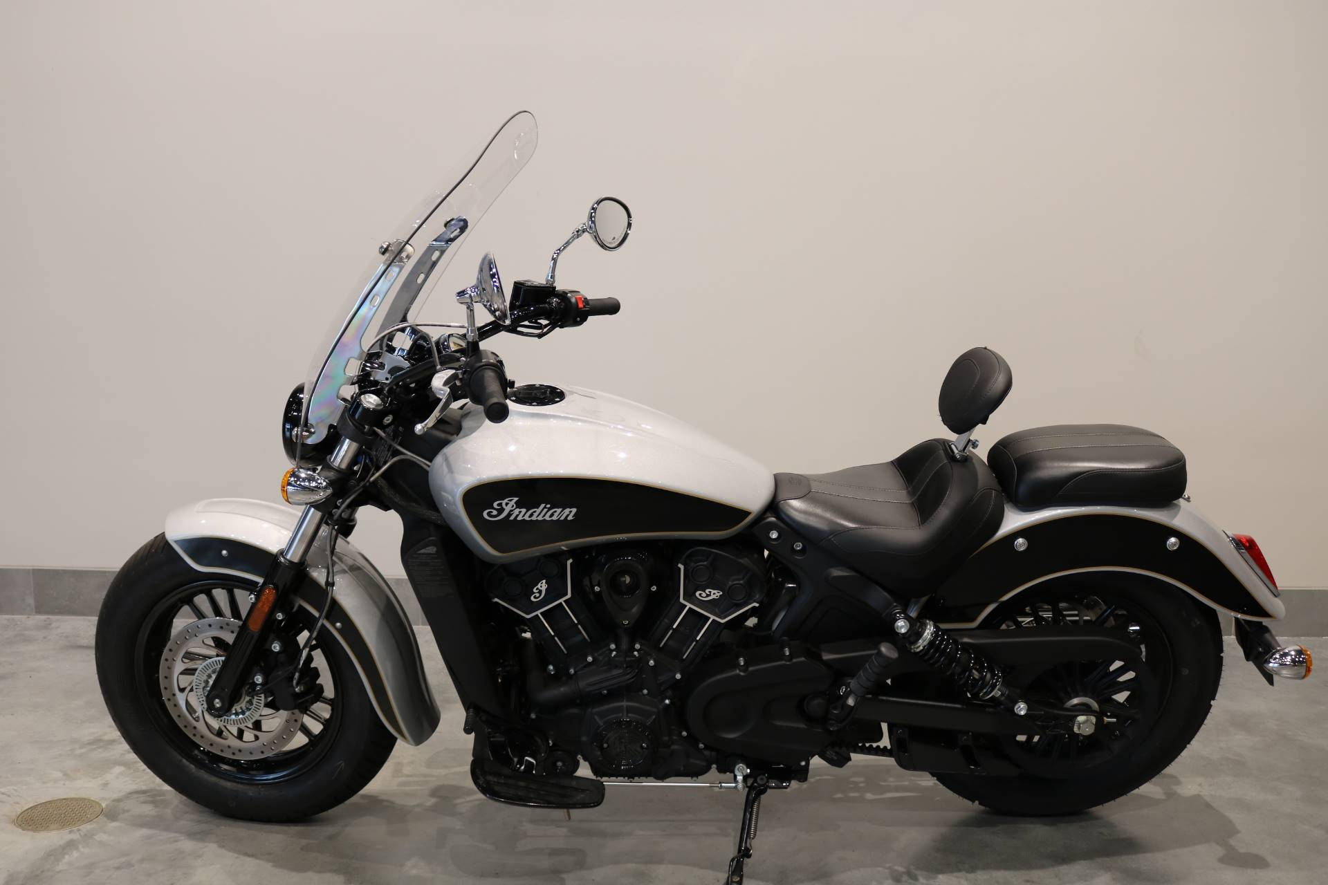 2019 Indian Scout® Sixty ABS in Saint Paul, Minnesota - Photo 2