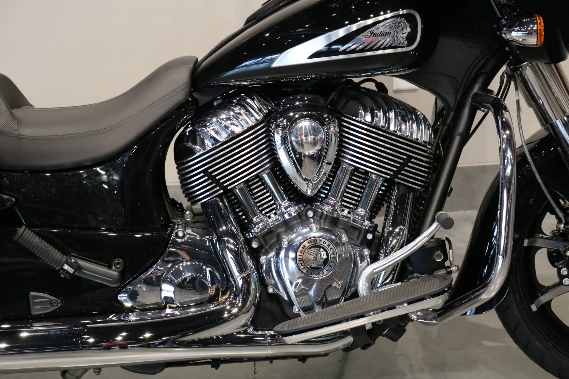 2020 Indian Chieftain® Limited in Saint Paul, Minnesota - Photo 3
