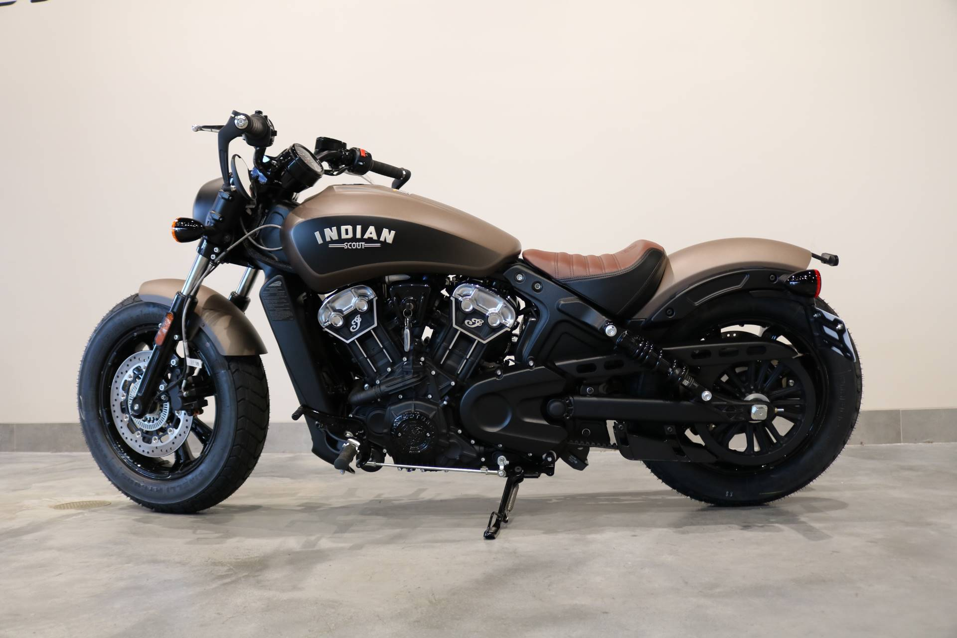 2020 Indian Scout® Bobber ABS in Saint Paul, Minnesota - Photo 2