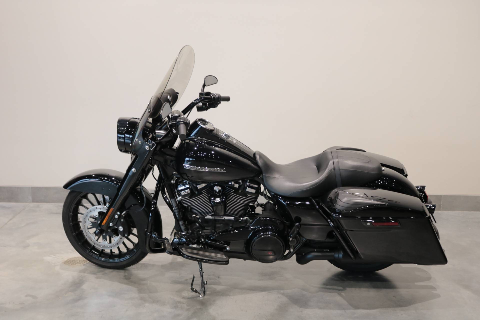 2018 Harley-Davidson Road King® Special in Saint Paul, Minnesota - Photo 2