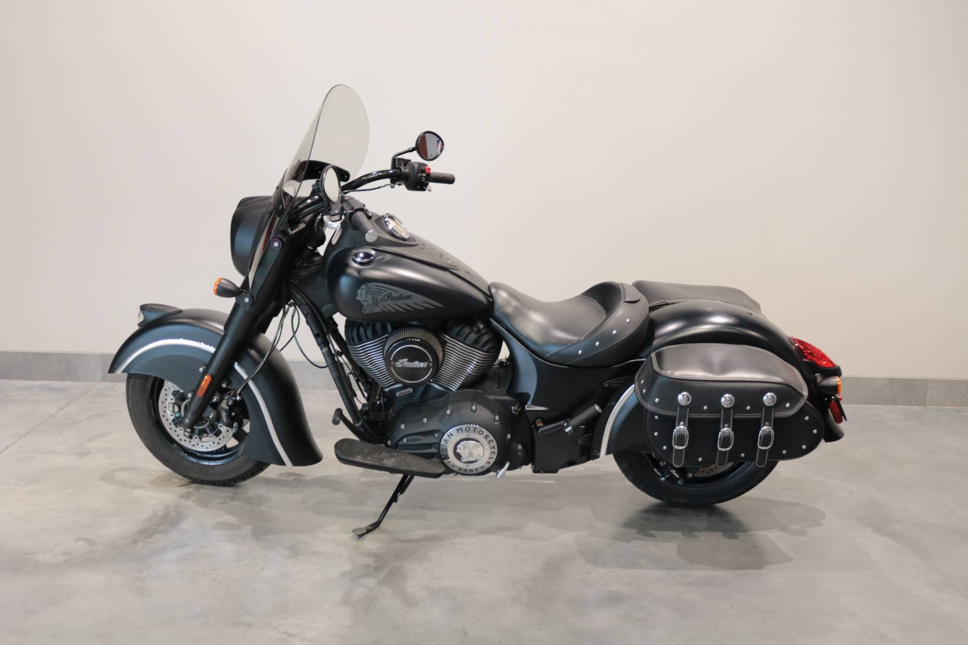 2016 Indian Chief Dark Horse® in Saint Paul, Minnesota - Photo 2