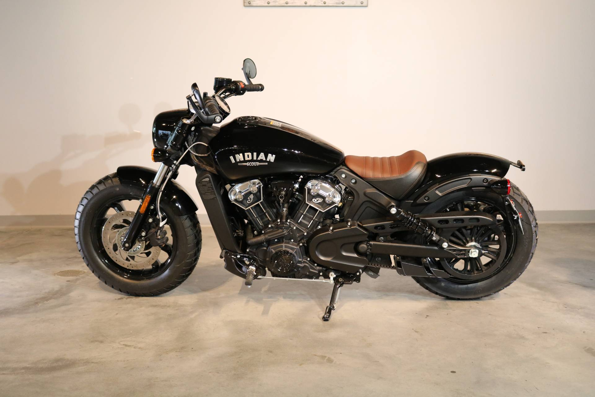 2019 Indian Scout® Bobber in Saint Paul, Minnesota - Photo 2