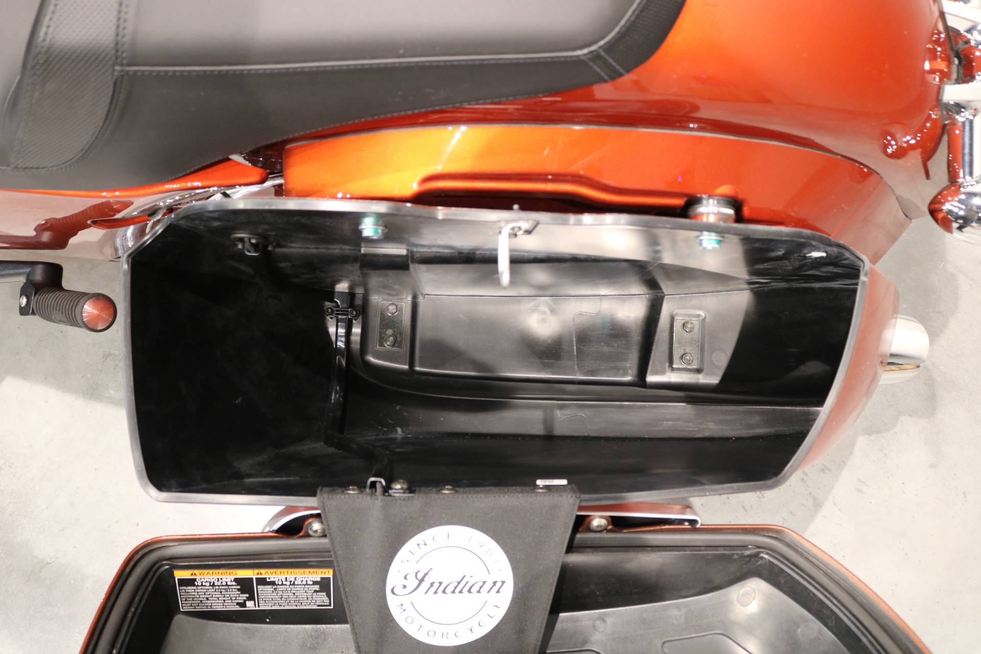 2019 Indian Chieftain® Limited Icon Series in Saint Paul, Minnesota - Photo 10