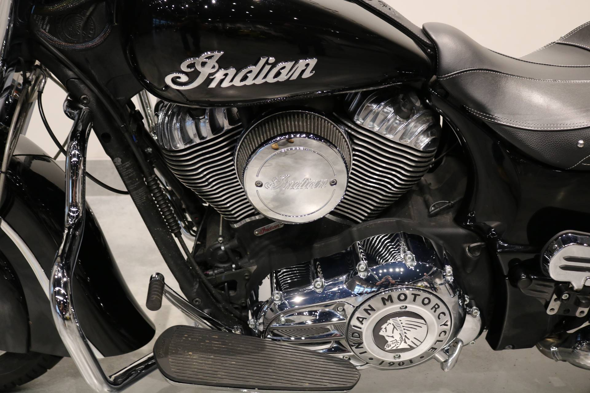 2019 Indian Springfield® ABS in Saint Paul, Minnesota - Photo 4