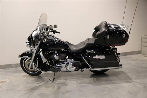 2011 Harley-Davidson Electra Glide® Ultra Limited in Saint Paul, Minnesota - Photo 2