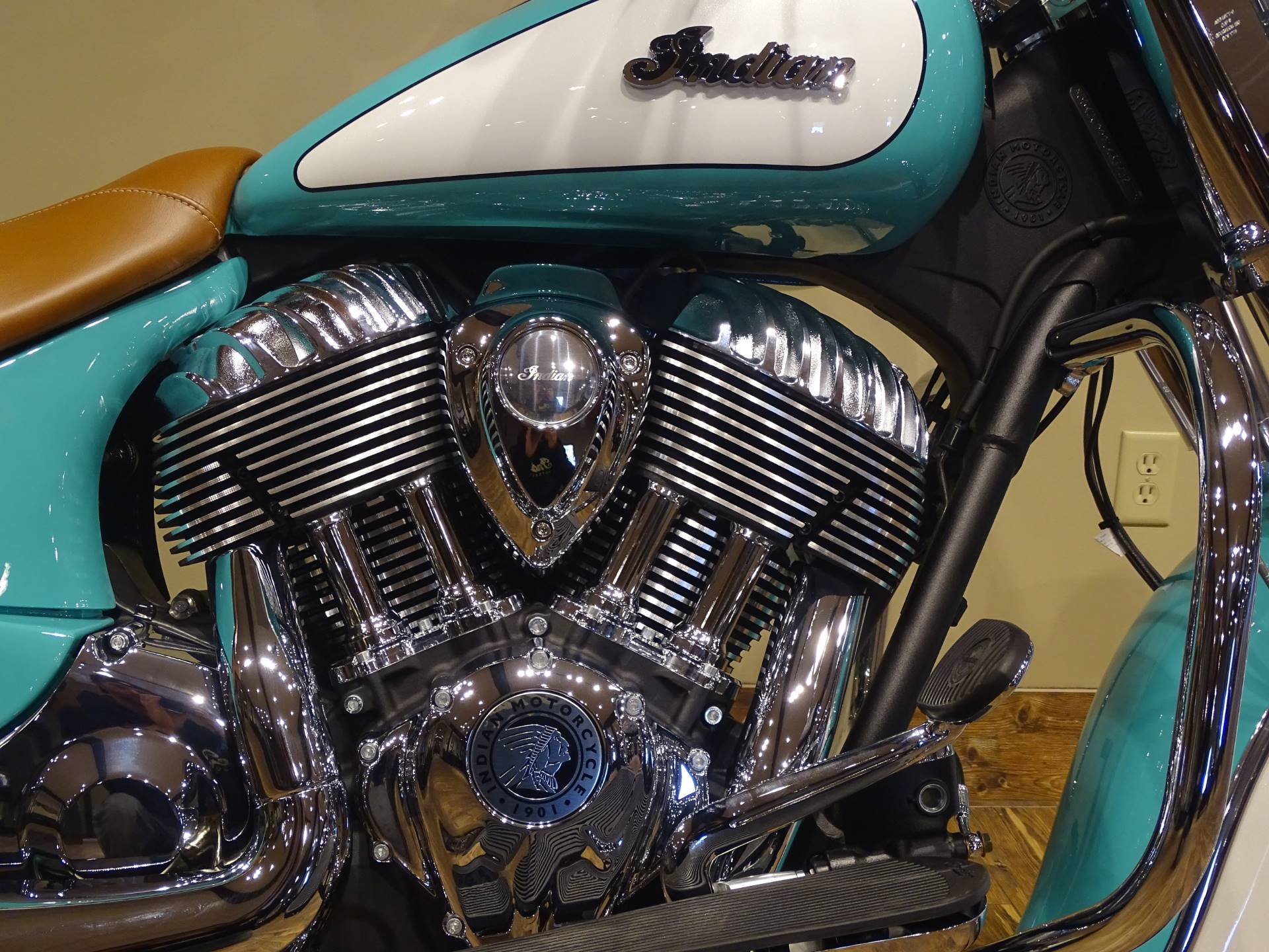 2019 Indian Chief® Vintage Icon Series in Saint Michael, Minnesota - Photo 3