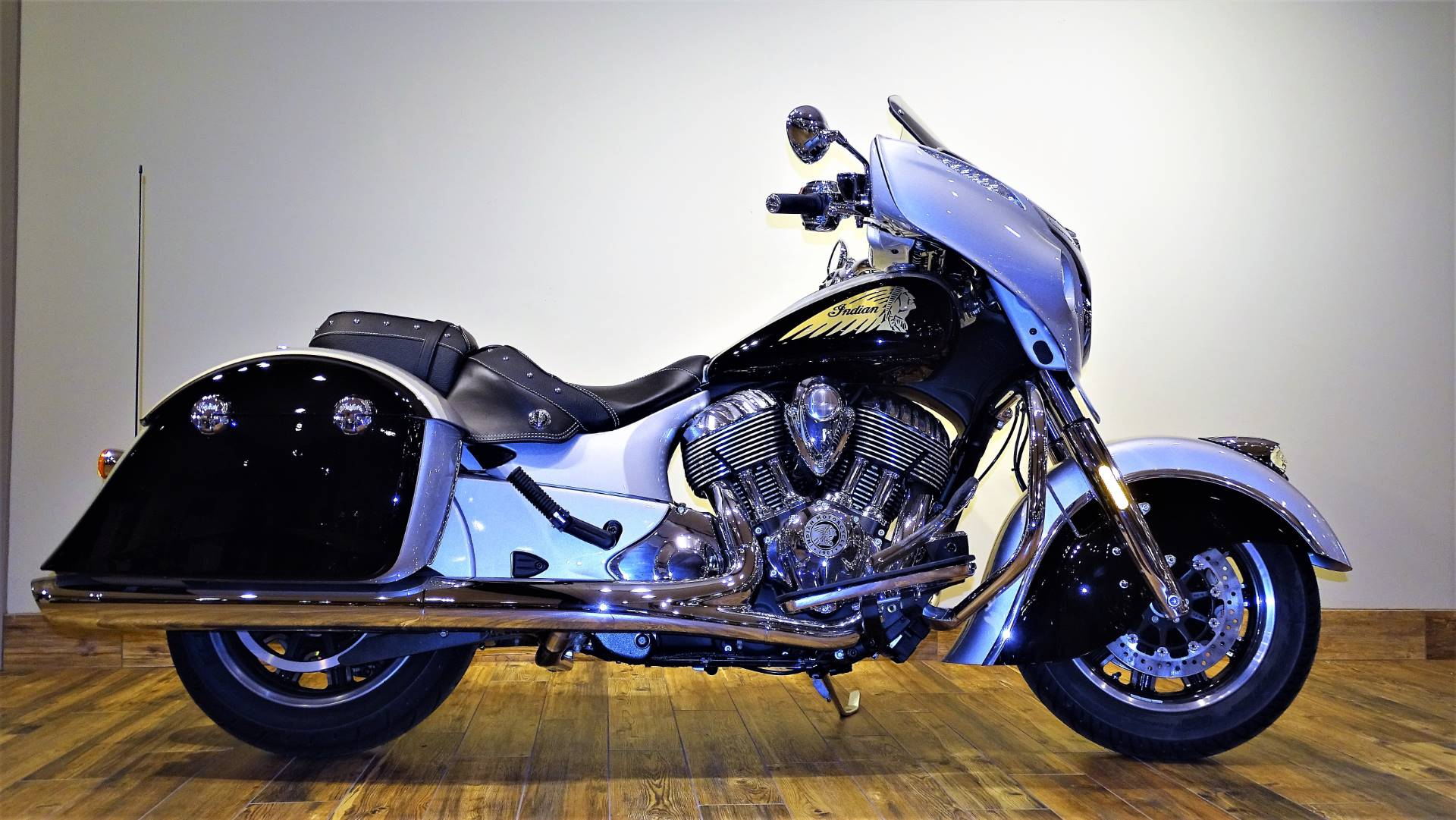 2017 Indian Chieftain® in Saint Michael, Minnesota