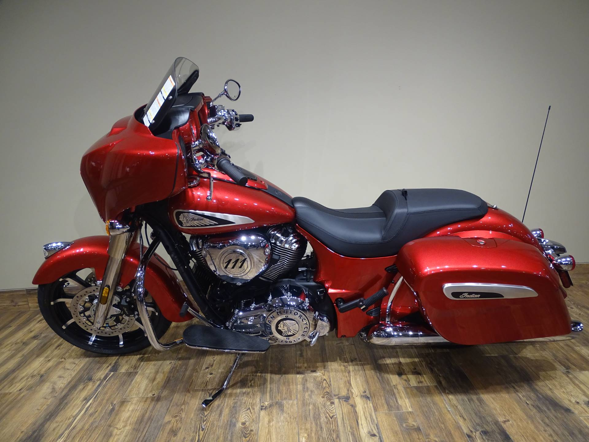 2019 Indian Chieftain® Limited ABS in Saint Michael, Minnesota - Photo 2