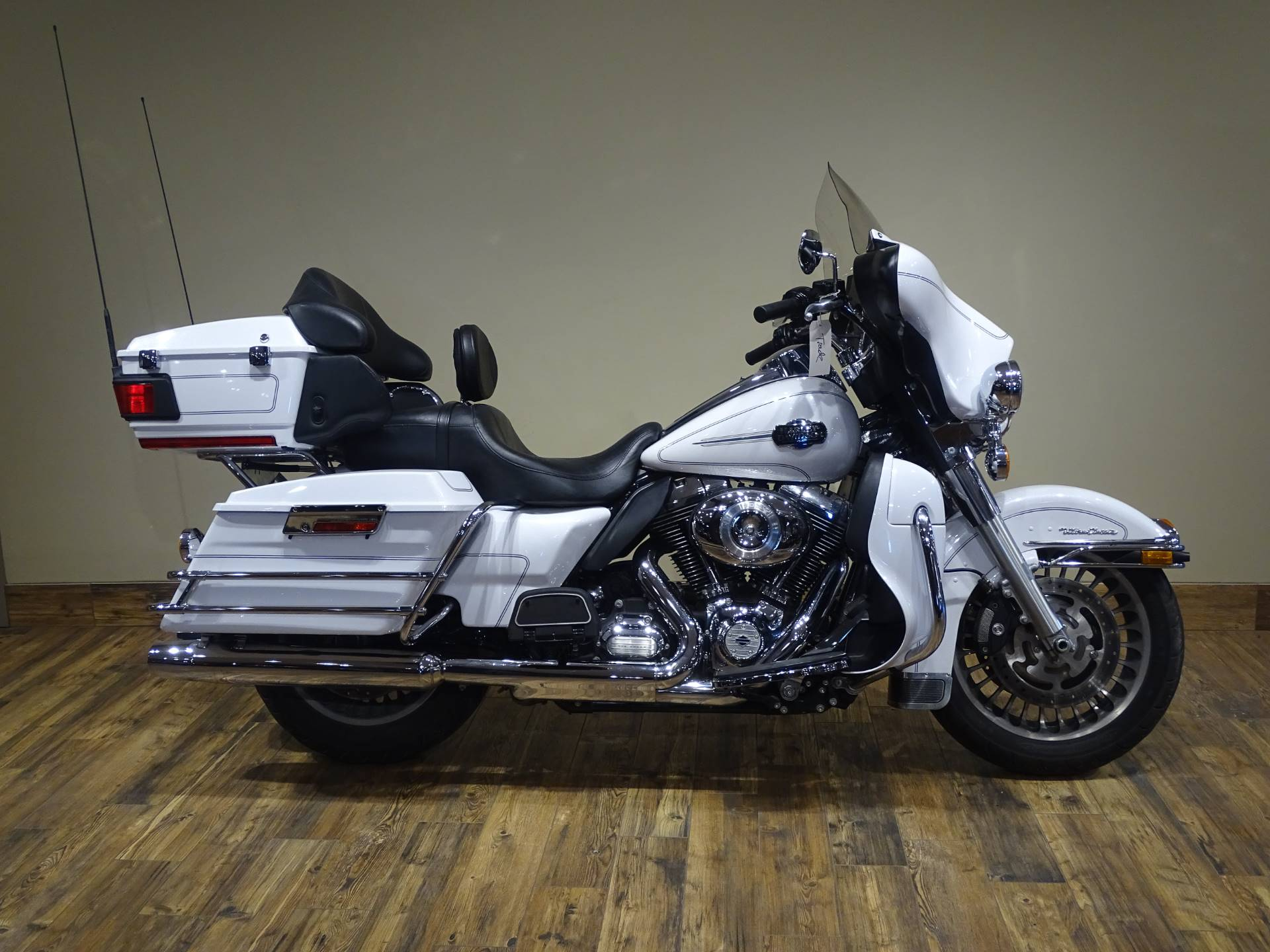 2013 Harley-Davidson Ultra Classic® Electra Glide® in Saint Michael, Minnesota - Photo 1