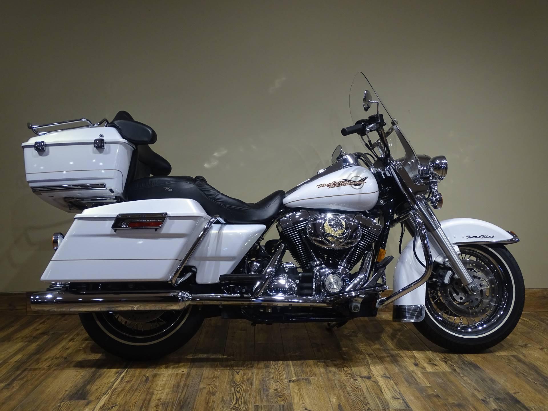 2007 Harley-Davidson FLHR Road King 1