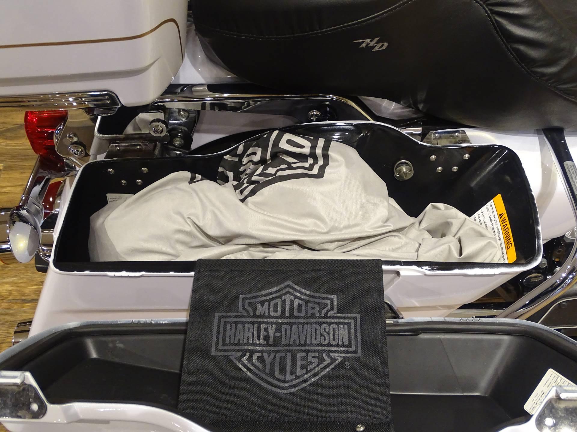 2007 Harley-Davidson FLHR Road King 11