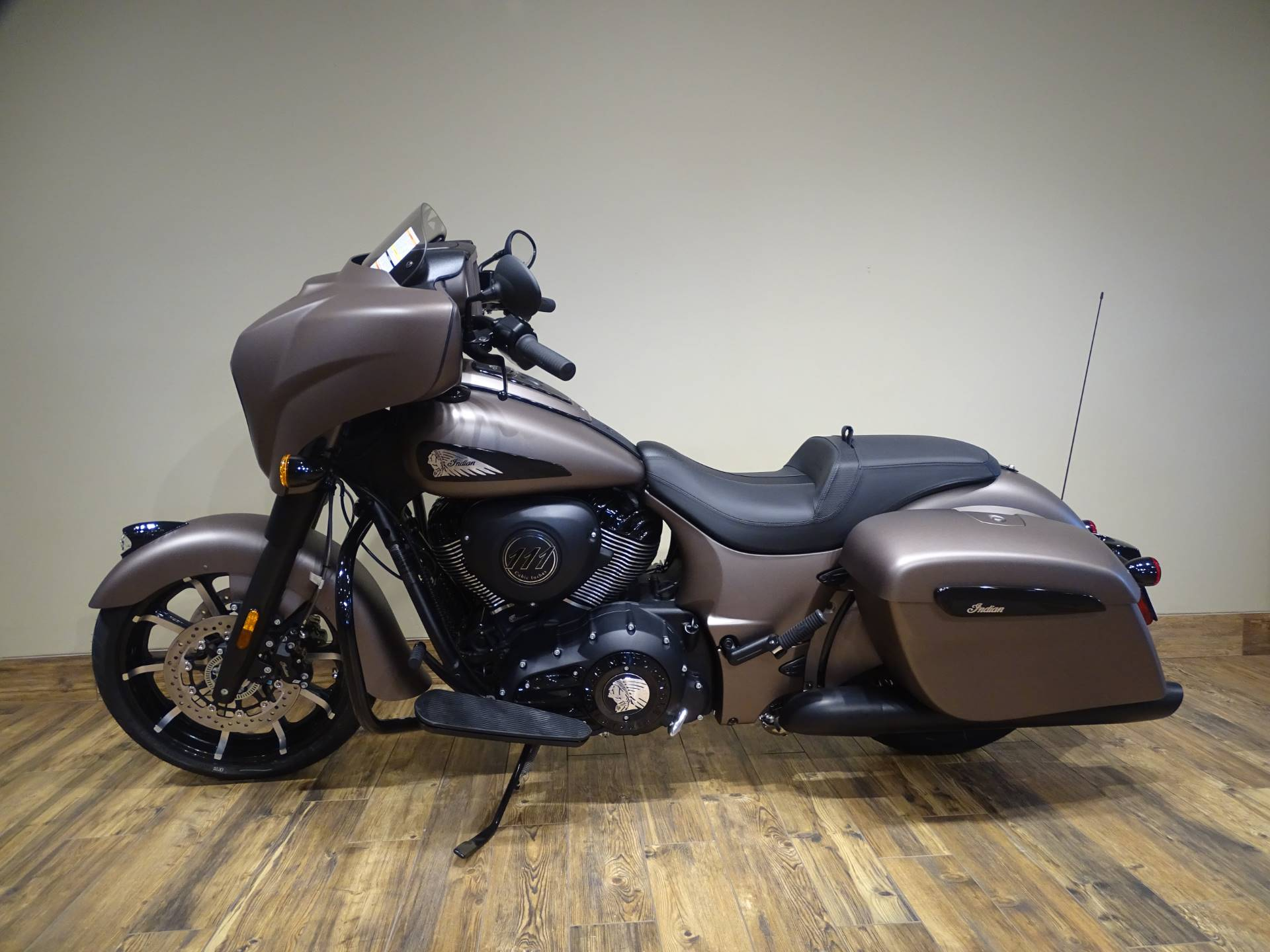 2019 Indian Chieftain Dark Horse® ABS in Saint Michael, Minnesota - Photo 2