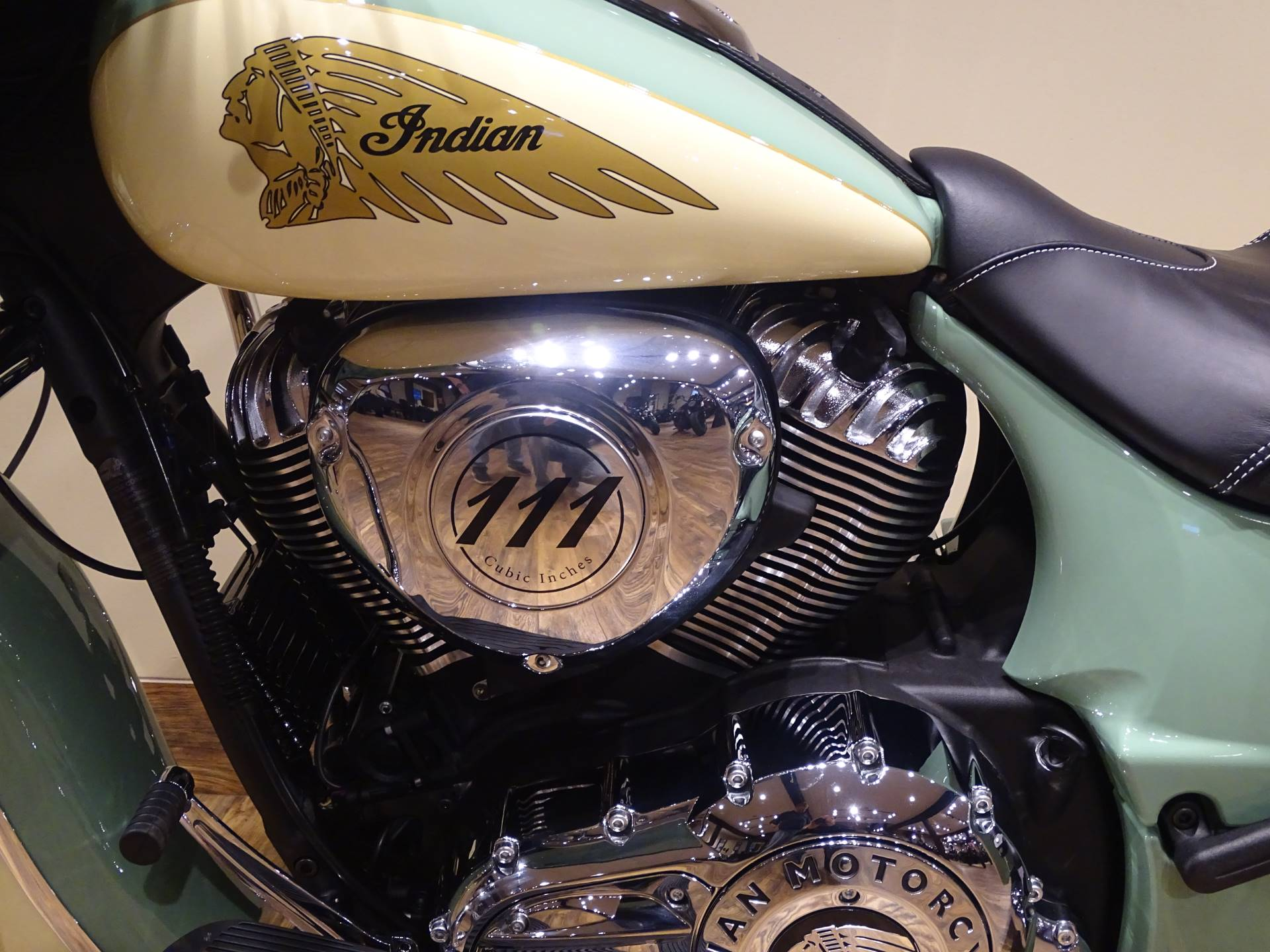 2019 Indian Chieftain® Classic Icon Series in Saint Michael, Minnesota - Photo 4