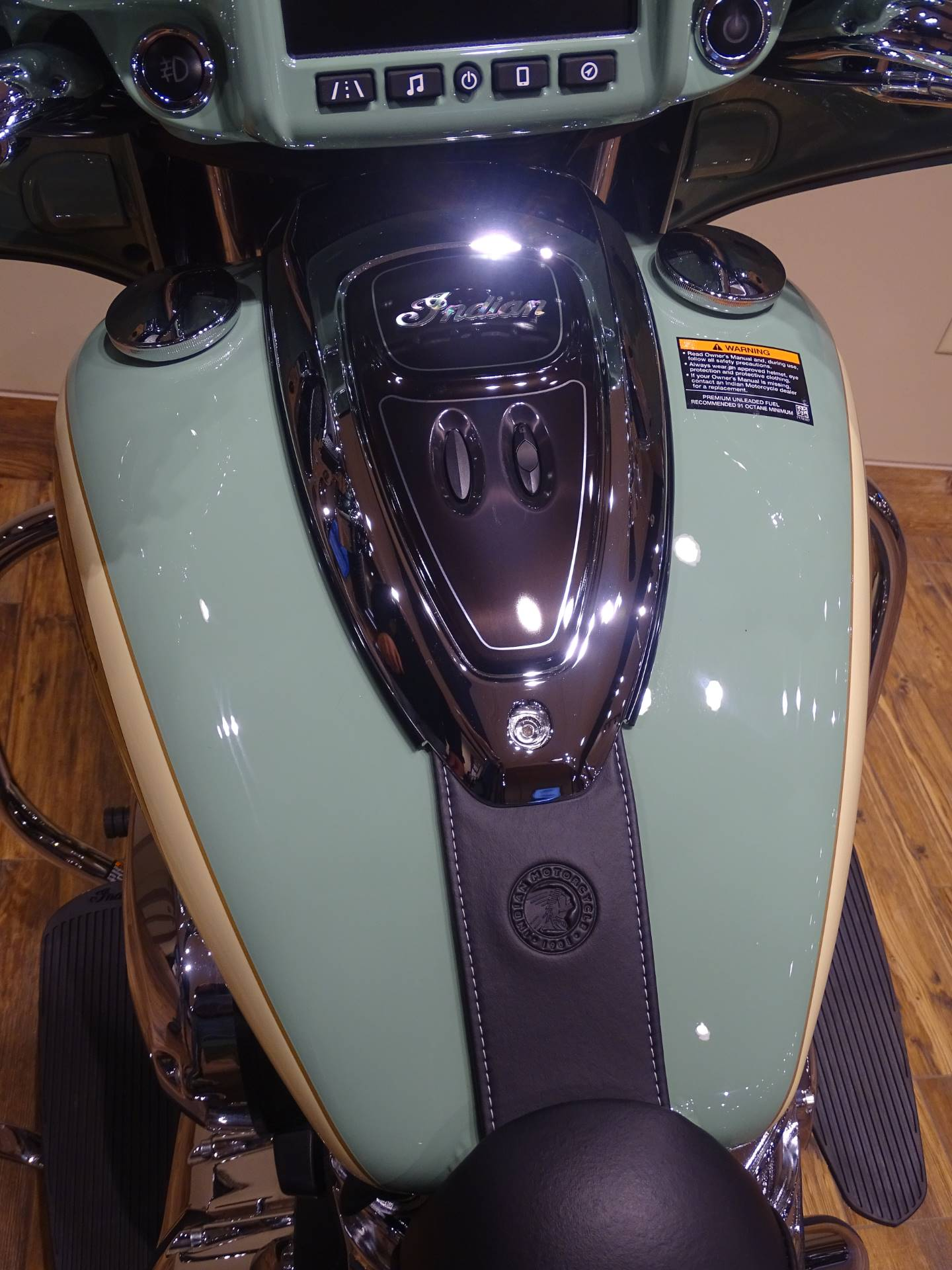 2019 Indian Chieftain® Classic Icon Series in Saint Michael, Minnesota - Photo 7