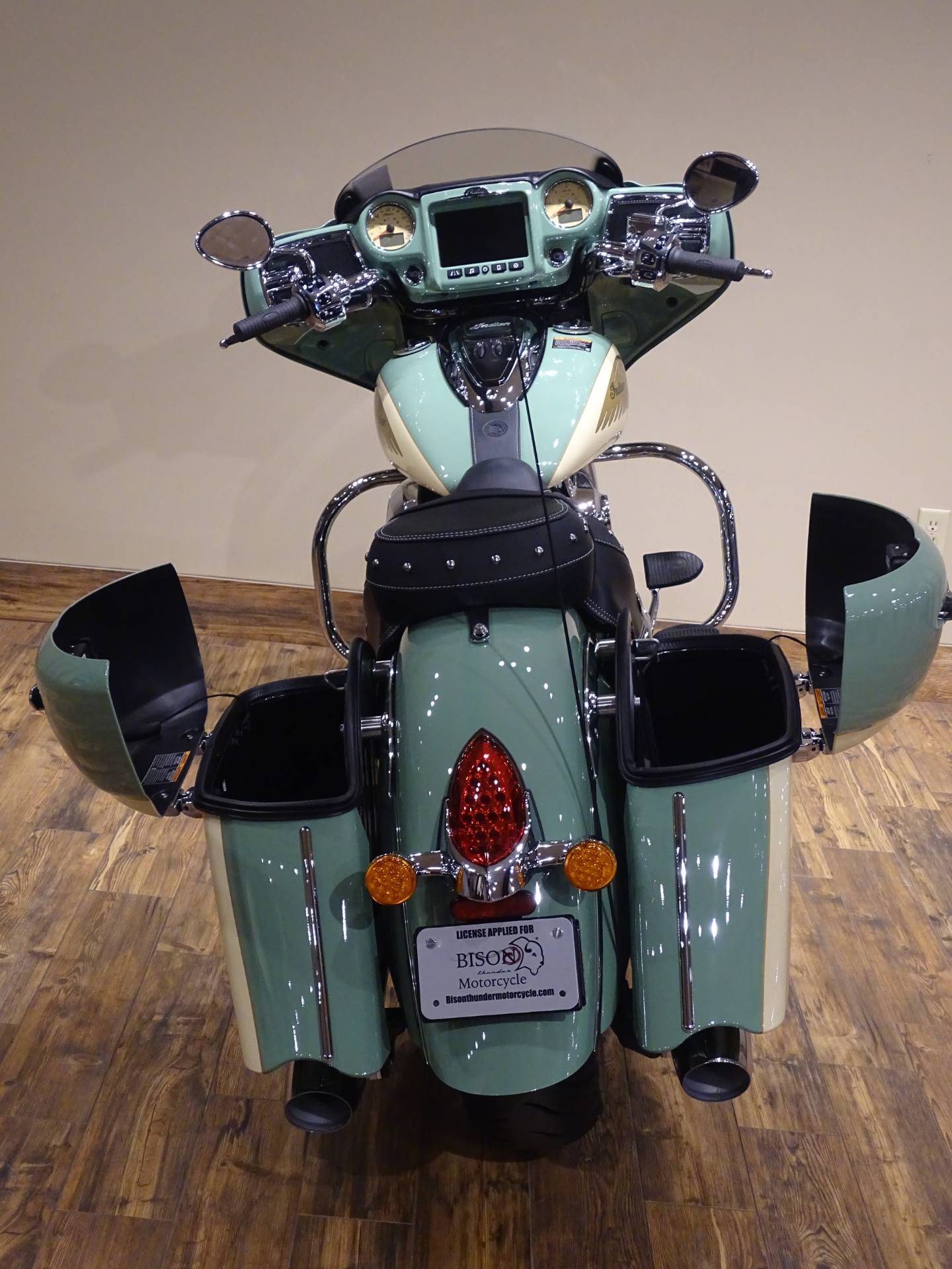 2019 Indian Chieftain® Classic Icon Series in Saint Michael, Minnesota - Photo 13