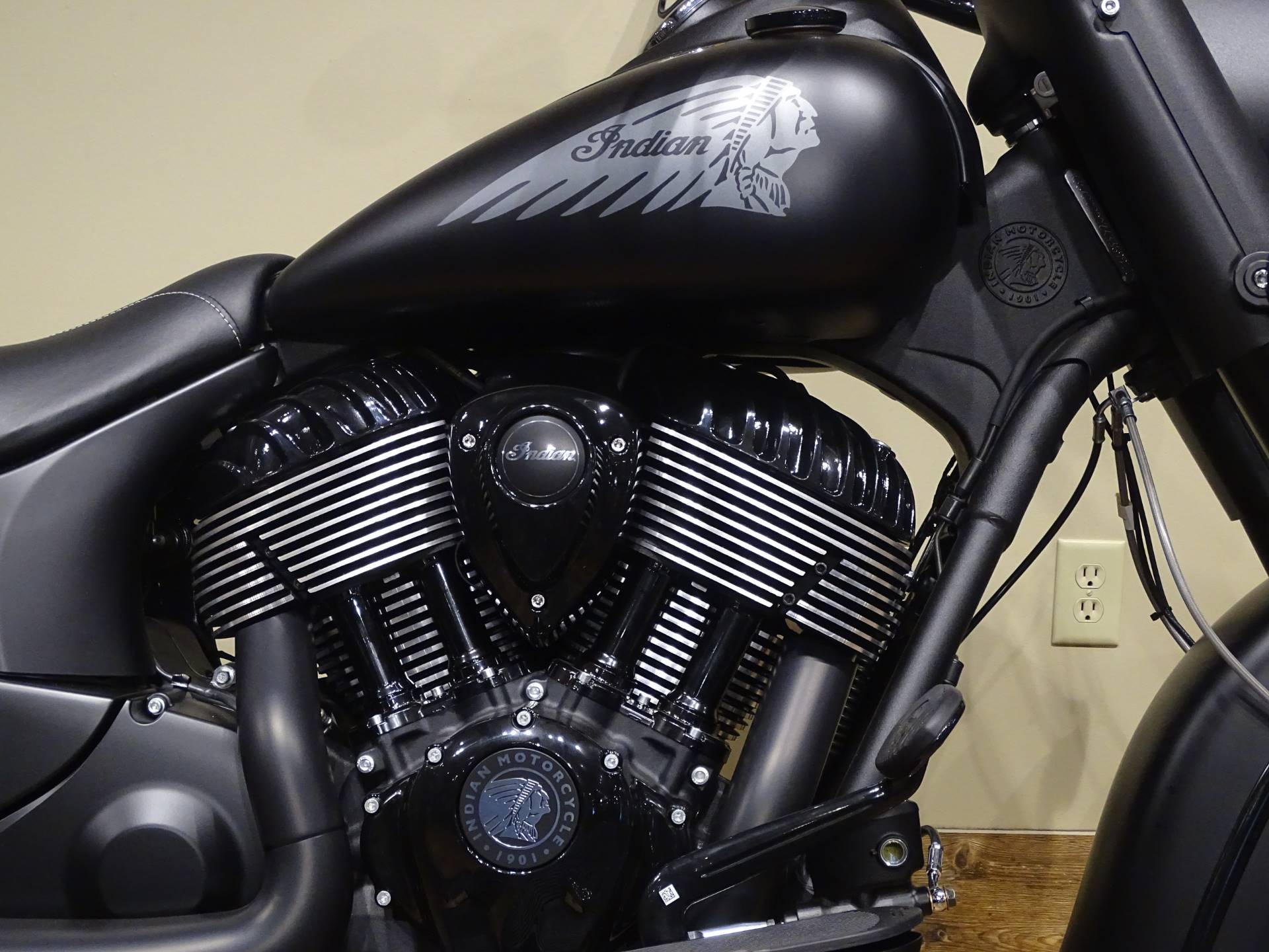 2019 Indian Chief Dark Horse® ABS in Saint Michael, Minnesota - Photo 3