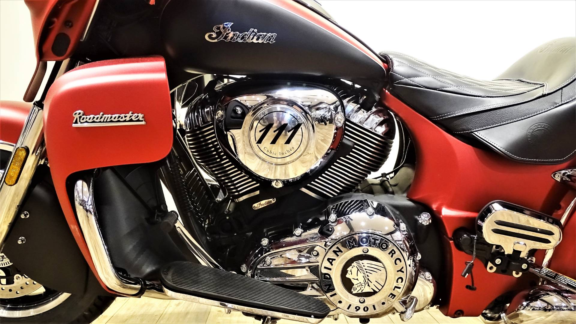 2017 Indian Roadmaster® Icon Series in Saint Michael, Minnesota