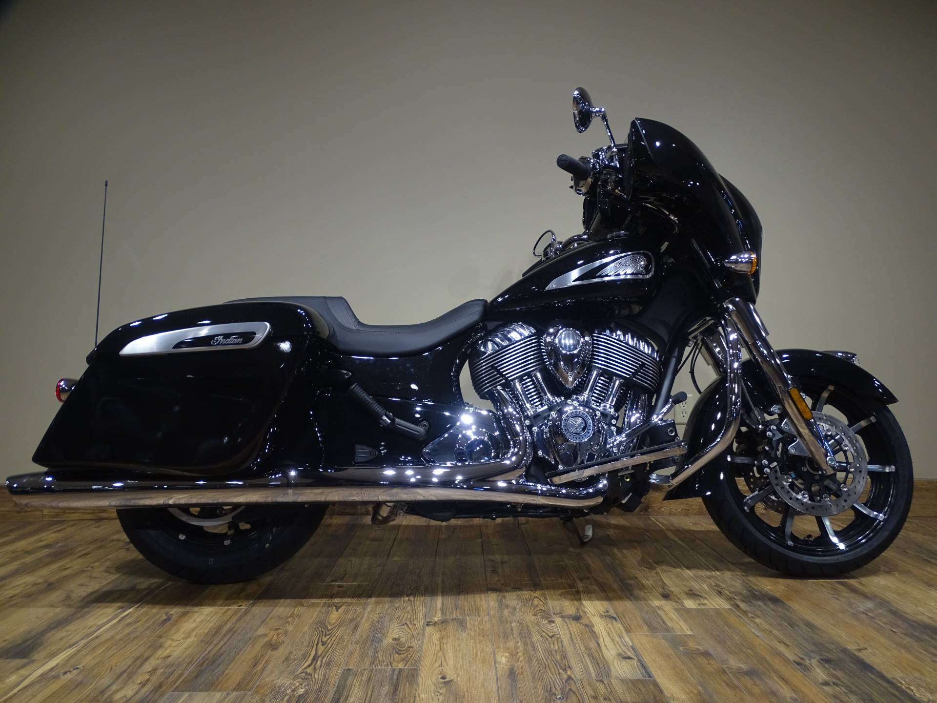 2019 Indian Chieftain® Limited ABS in Saint Michael, Minnesota - Photo 1