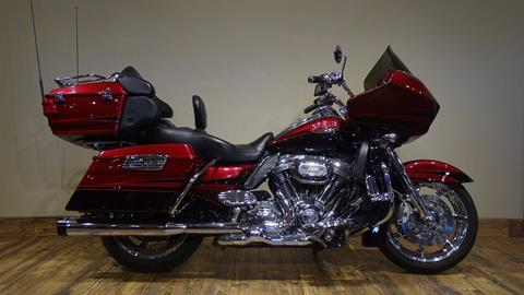 2011 Harley-Davidson CVO™ Road Glide® Ultra in Saint Michael, Minnesota