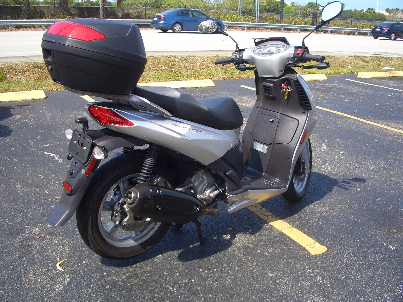 2009 Aprilia Sportcity Cube 250 in Fort Lauderdale, Florida - Photo 5