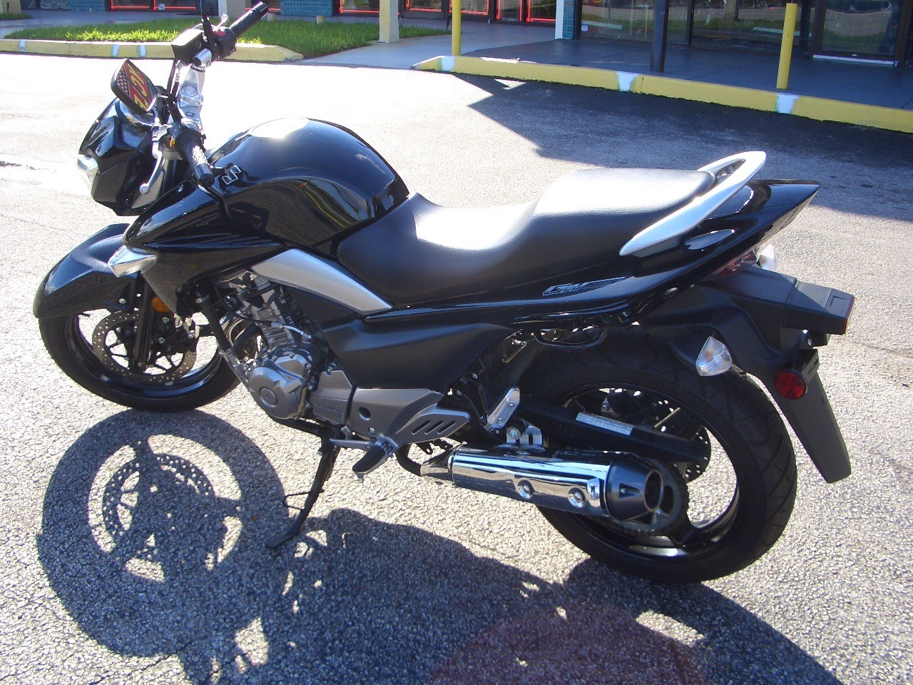 2013 Suzuki GW250 in Fort Lauderdale, Florida - Photo 3