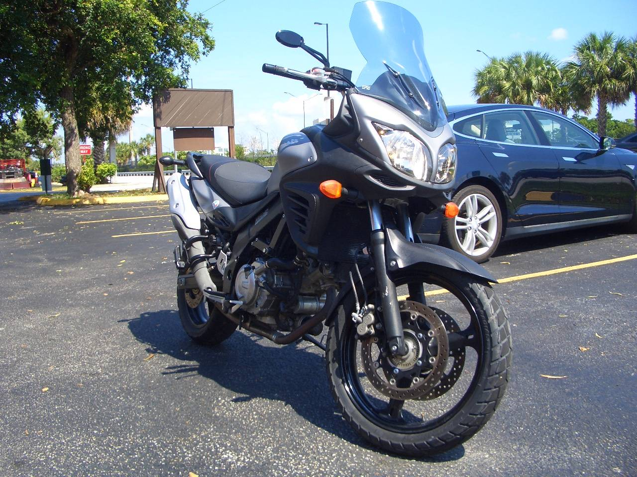 2015 Suzuki V-Strom 650 ABS Adventure in Fort Lauderdale, Florida - Photo 6