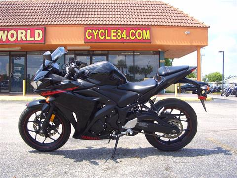 2015 Yamaha YZF-R3 in Fort Lauderdale, Florida