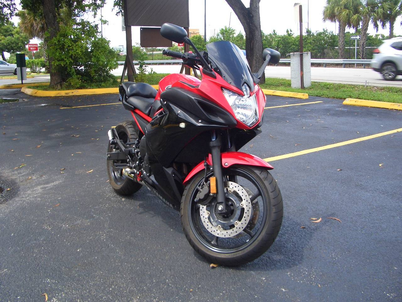2015 Yamaha FZ6R in Fort Lauderdale, Florida - Photo 8