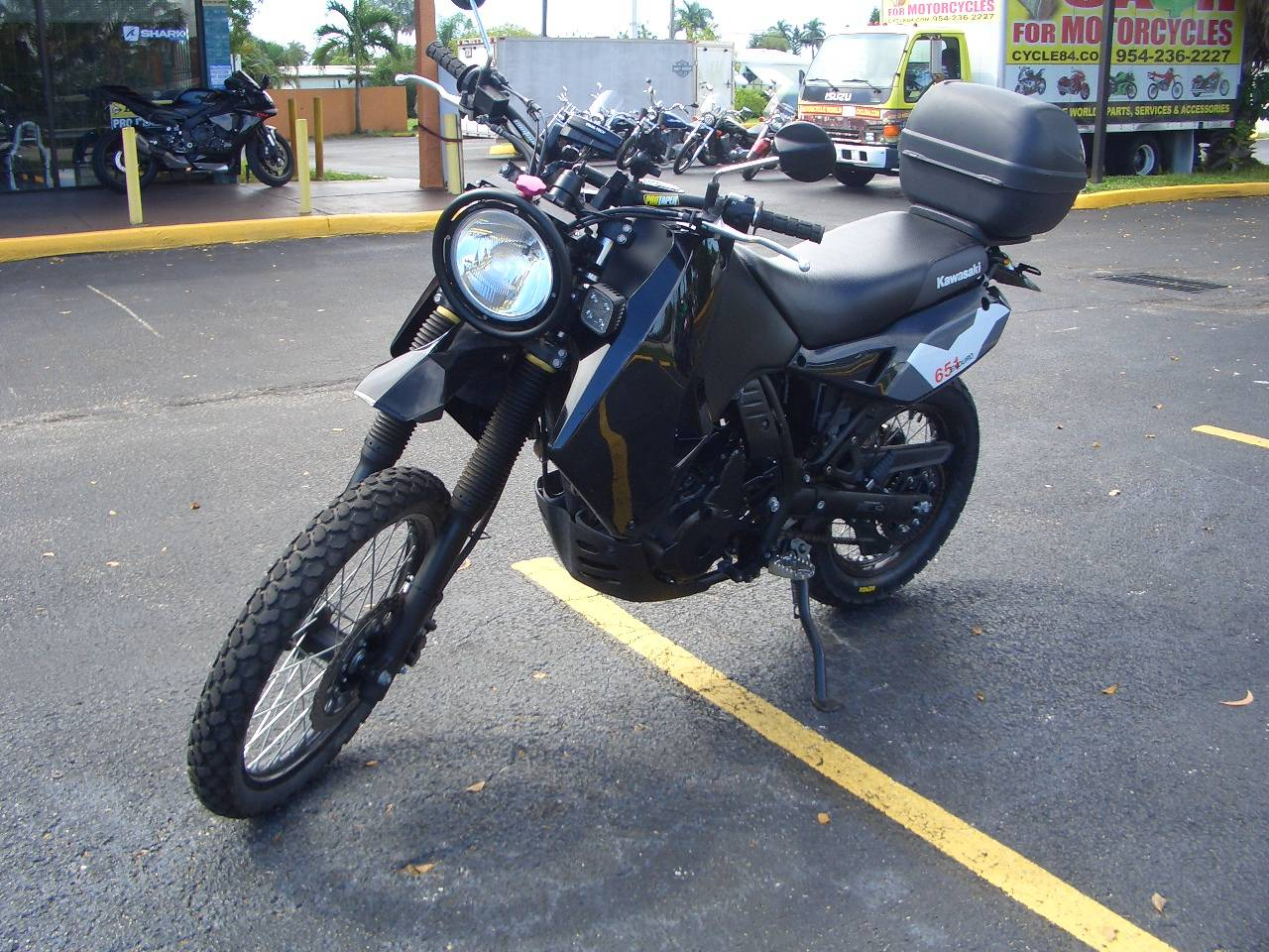 2018 Kawasaki KLR 650 in Fort Lauderdale, Florida - Photo 2
